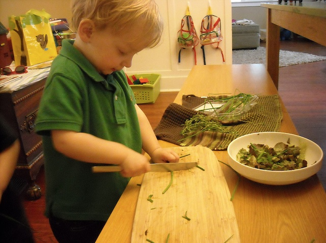 Cutting food using low bench