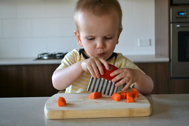 Slicing and eating carrot - using crinkle cutter
