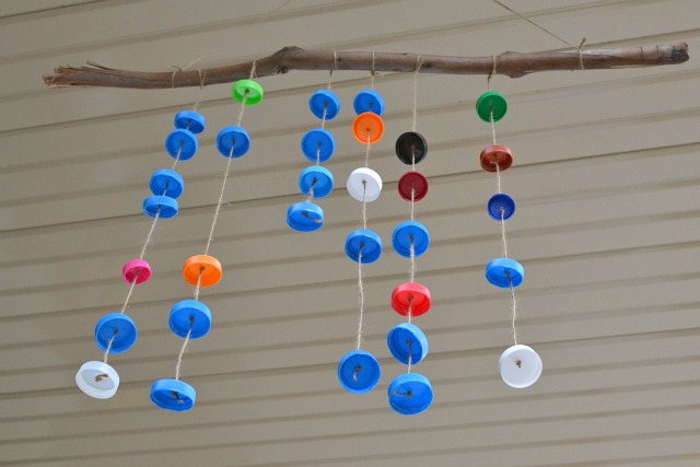 Wind chime with bottle tops