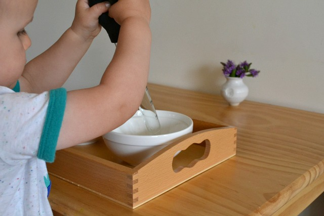Water transfer with baster - toddler activity