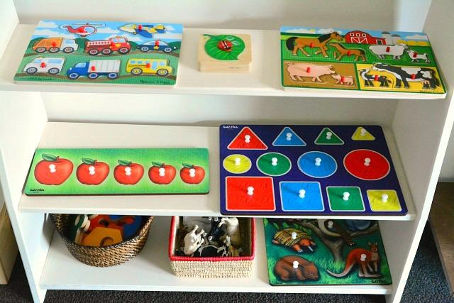 Puzzle shelf - how we montessori