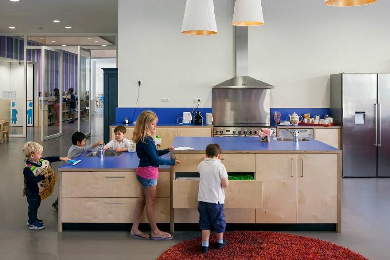 Montessori School Waalsdorp - Amazing Kitchen Netherlands, ArchDaily