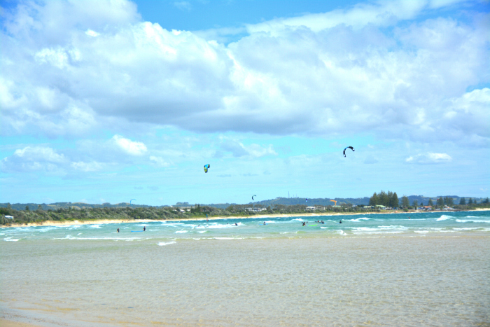 Byron Bay - Kite Surfers