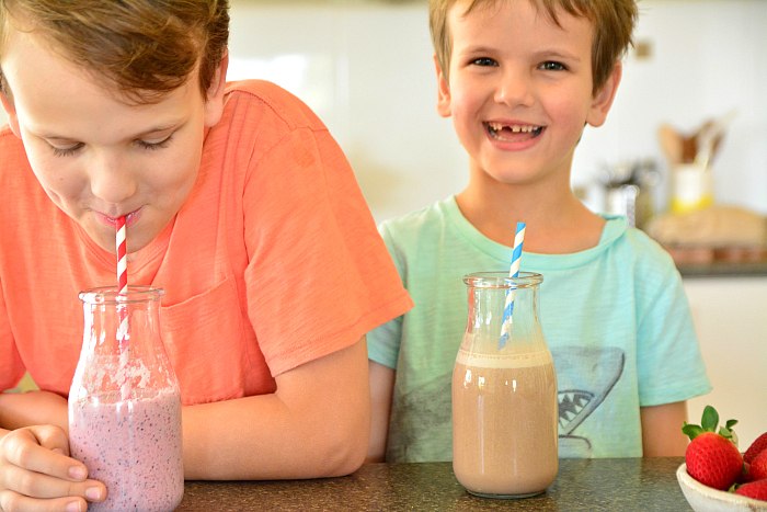 Caspar and Otis drinking Mavella Smoothies at How we Montessori