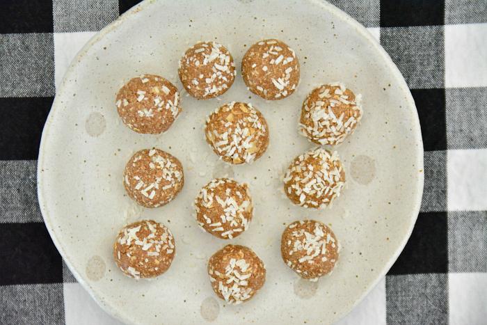 Cacao Snack Balls at How we Montessori