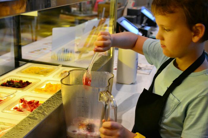 Caspar making smoothie at Cowch