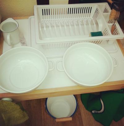 I Can Do It Montessori - Washing Up