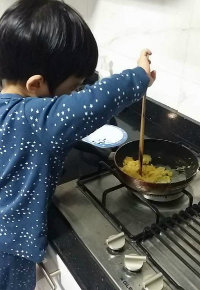 Three Minute Montessori - Cooking on stove top