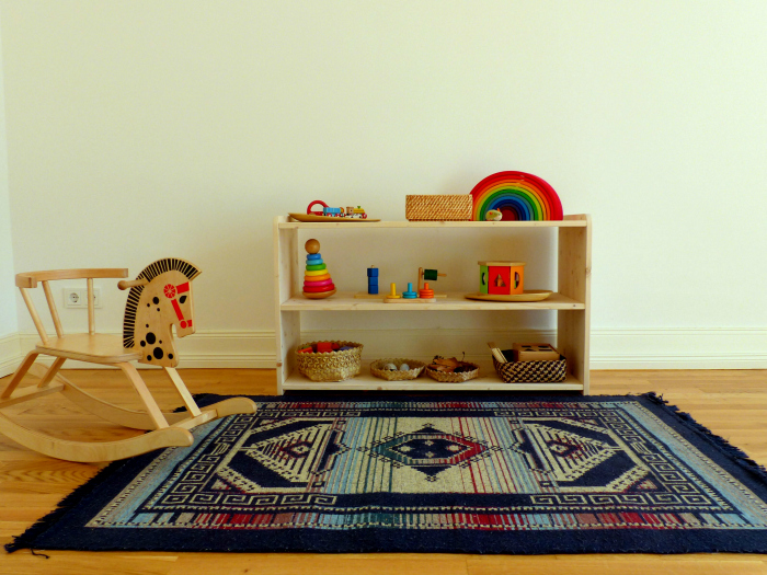 Woomo Shelves, Montessori home