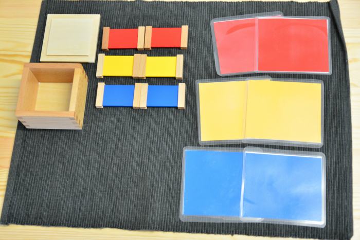 Colour matching with tables at DIY cards at MELA activities*