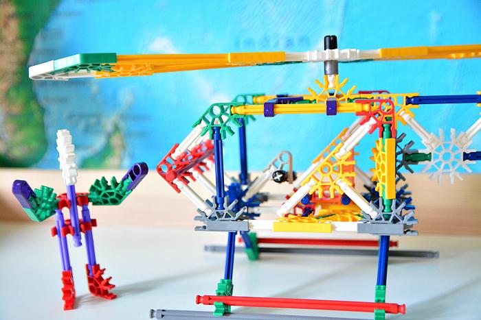 K'nex building materials at How we Montessori