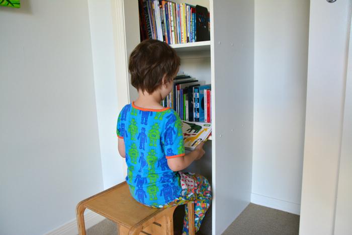 How we Montessori book storage