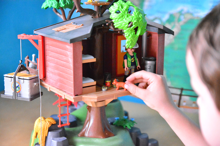 Otis, pretend play Playmobil Adventure Treehouse