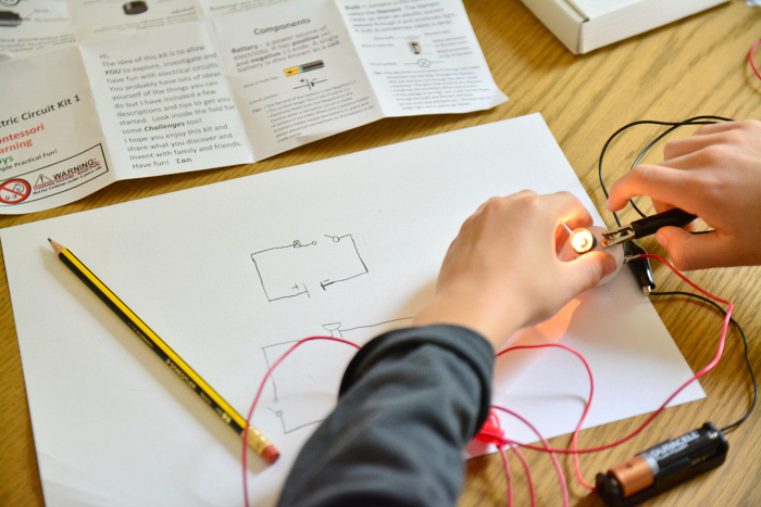 Montessori electrical circuit kit at How we Montessori