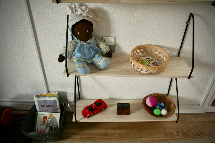 Montessori in Denmark  low shelves