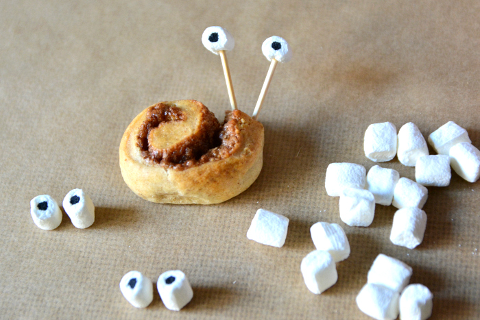 Mini Cinnamon Snails at How we Montessori