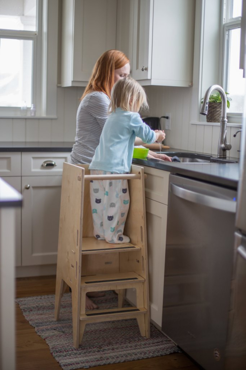 KH-Girl-at-sink-with-mom-Side-facing-Counter-2_1024x1024