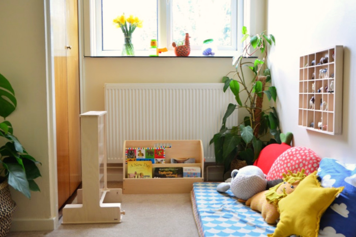 Montessori toddler room  17 months Feb 2019