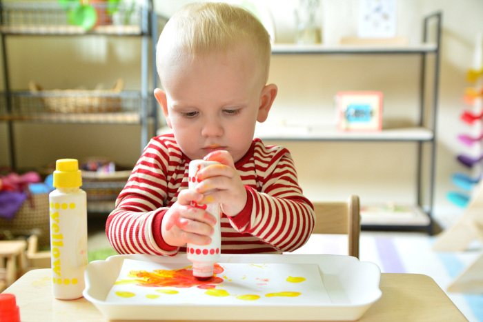 Otto dot marker at How we Montessori  Montessori toddler art trays at 18 months