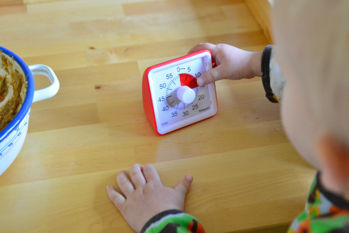 Visual timer for kids at How we Montessori Otto 24 months
