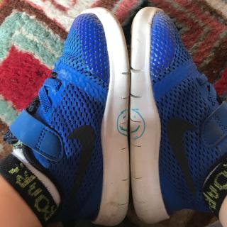 How-Teach-Kids-Put-Shoes-Right-Feet