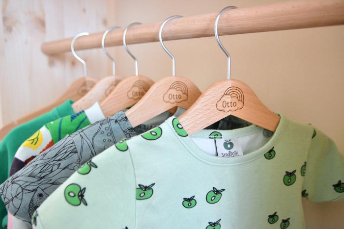 Otto natural coat hangers