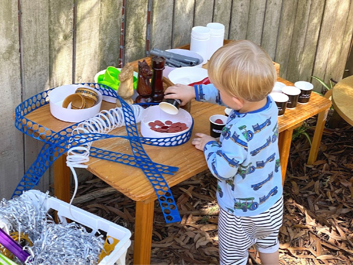 How we Montessori working with recyclables