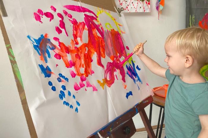 How we Montessori toddler art class