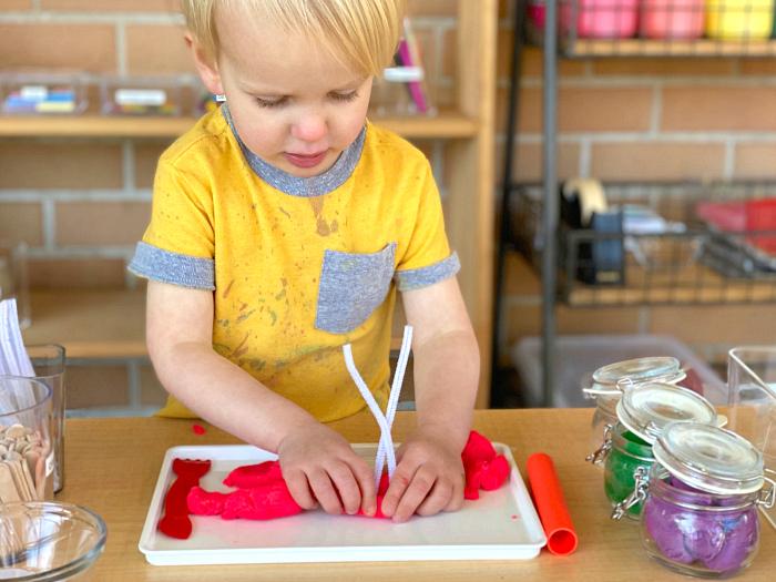How we Montessori children's art area Sydney toddler preschool