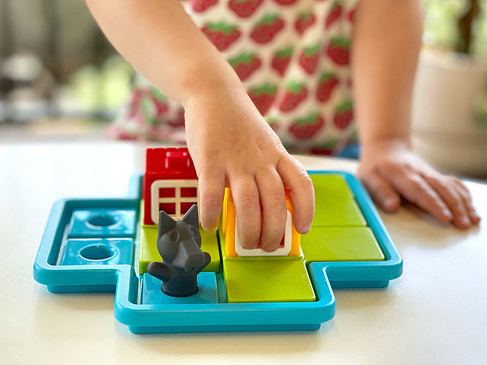 Three Little Pigs smart games How we Montessori toys three year old