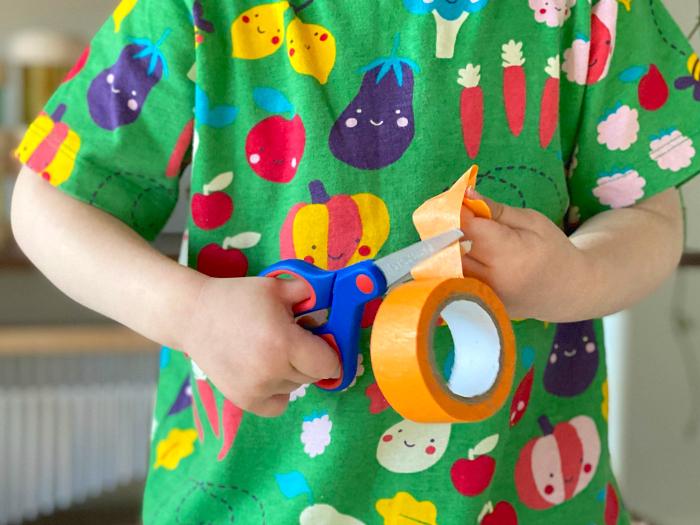 Best toddler scissors at How we Montessori safety scissors for children