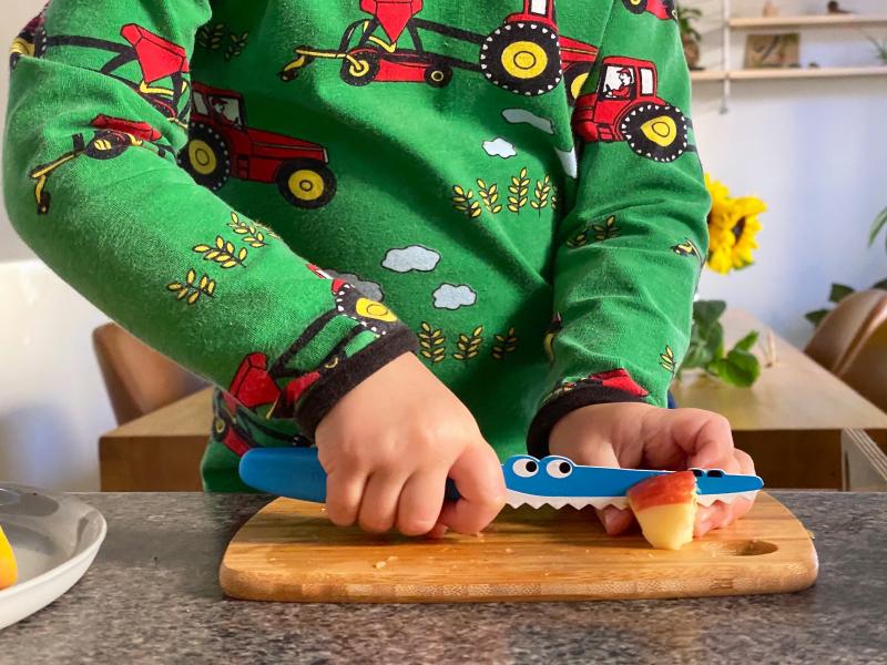 Robins kitchen mini chef kids knife at how we montessori cutting apple