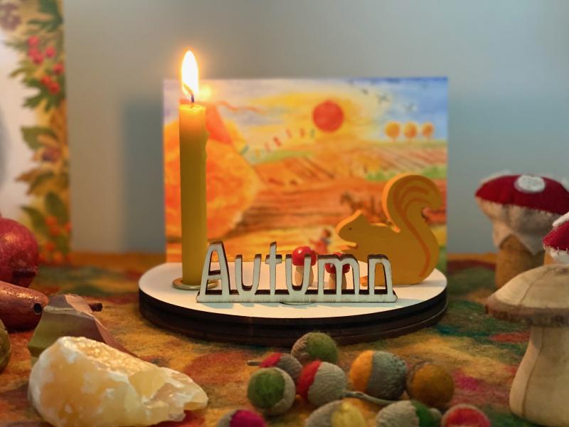 Autumn seasonal table Cutwork alter