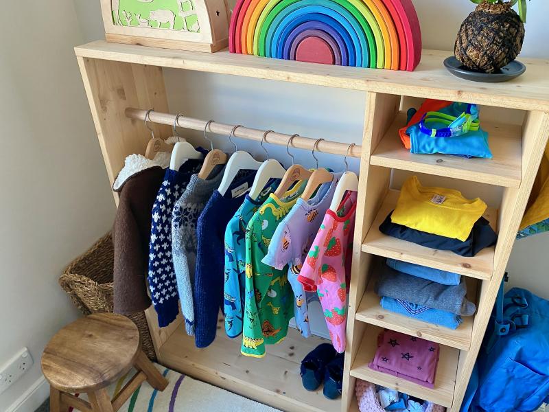 How to use a Montessori wardrobe