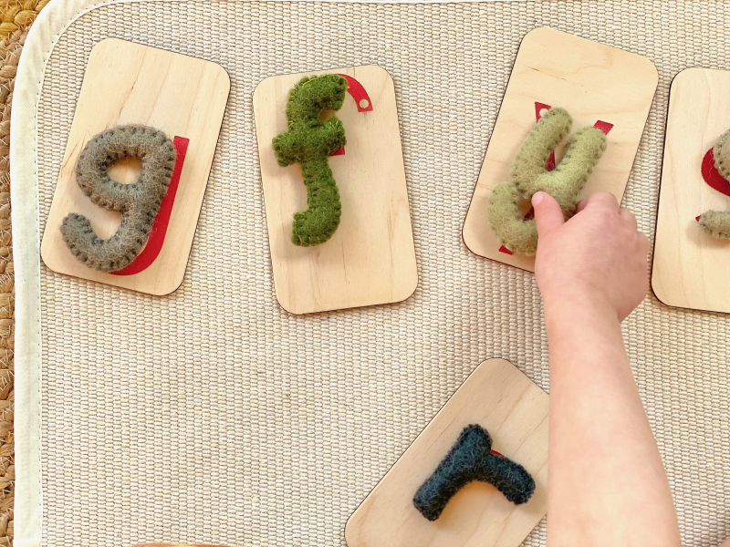 Montessori learning with felt letters sandpaper letters at How we Montessori (2)