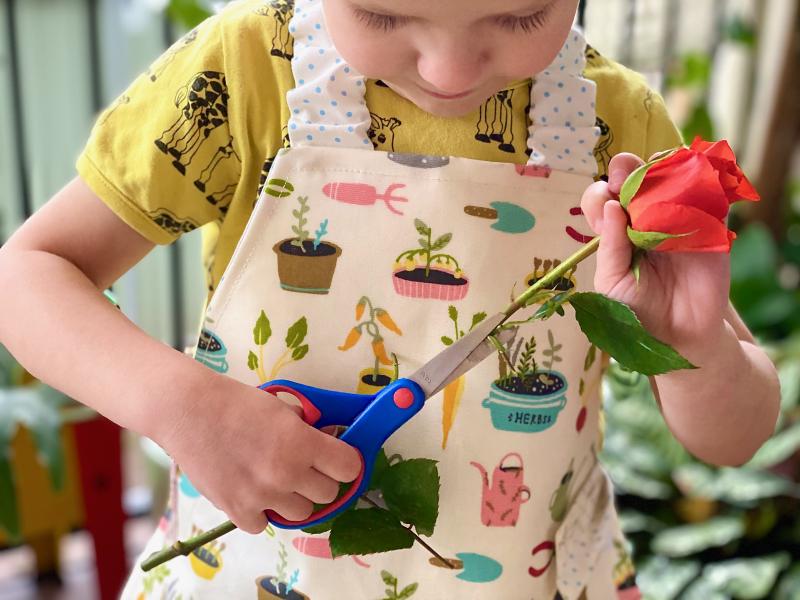 Flower arranging at how we Montessori