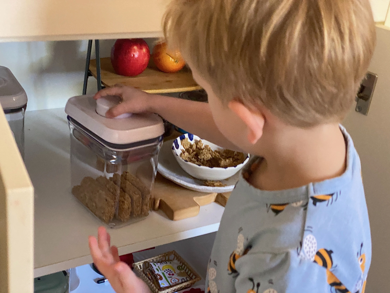 Montessori breakfast at How we Montessori (1)