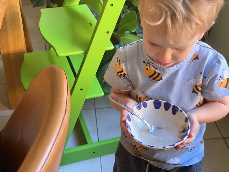 Montessori breakfast at three years (1)